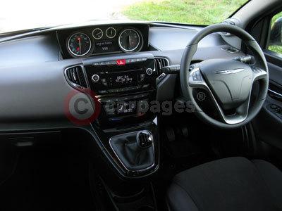 http://www.carpages.co.uk/chrysler/chrysler-images/chrysler-ypsilon-interior-24-09-12.jpg