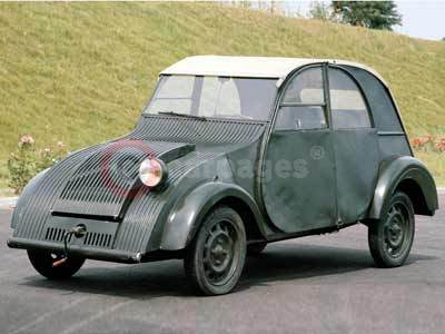 a record number of citroen 2cvs to attend the 19th amis de la 2cv event. Black Bedroom Furniture Sets. Home Design Ideas