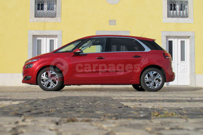 Citroen C4 Picasso (Front / Side View) (2013)