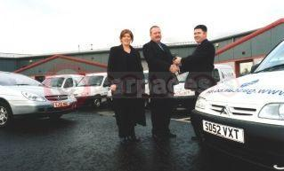 Mike Donnelly, Gas Call's Managing Director (Centre)