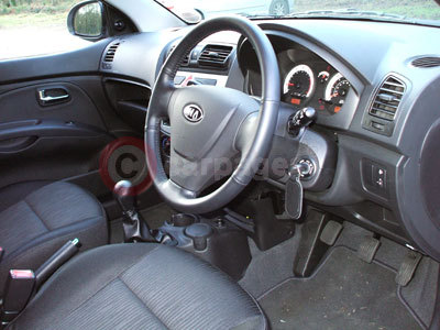http://www.carpages.co.uk/kia/kia-images/kia-picanto-review-2-26-01-08.jpg