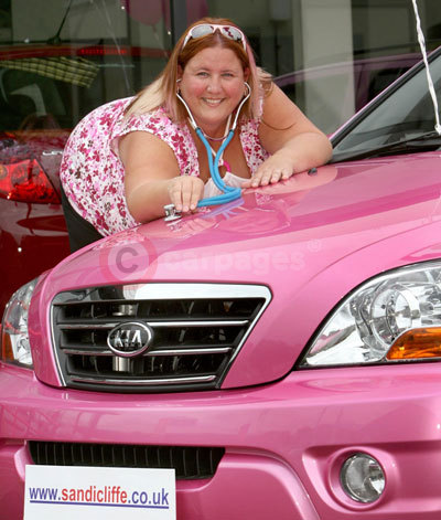 Kia Sorento in Pink with Doctor Hodds