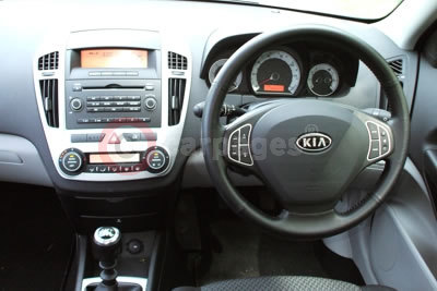Kia cee 39 d review 2007 part two for Interior kia ceed