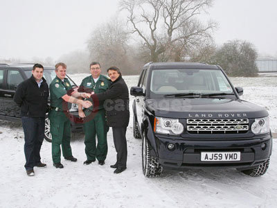 Land Rover Hands Over The Keys of The Land Rover Discovery 4