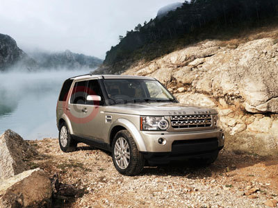 The New Land Rover Discovery 4 Off-Road