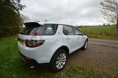 Land Rover Discovery Sport (Rear / Side View)