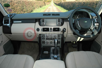 Range Rover Vogue SE Interior