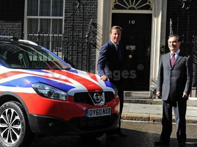 David Cameron and Carlos Ghosn With The Nissan QASHQAI