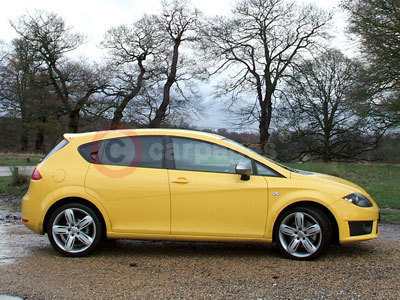 SEAT Leon FR Side View