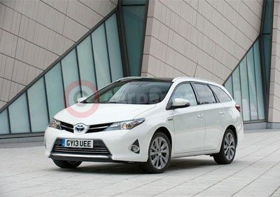 Toyota Auris Touring Sports Review (2013)