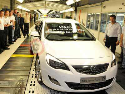 100,000th Vauxhall Astra Sports Tourer