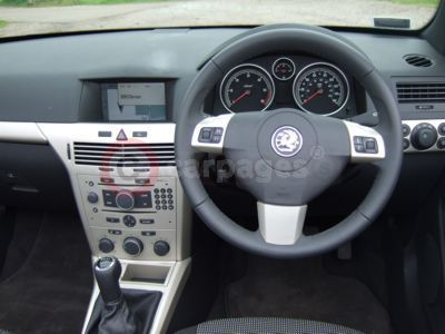 Vauxhall Astra TwinTop Interior